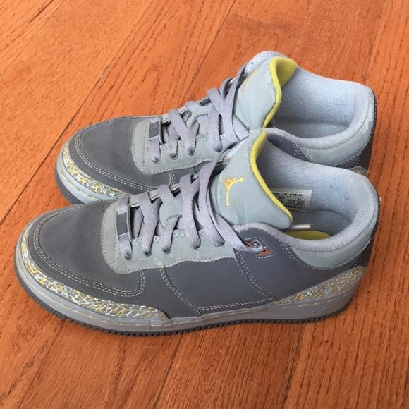 Jordan Airforce, Gray/Yellow (kids size 5Y)